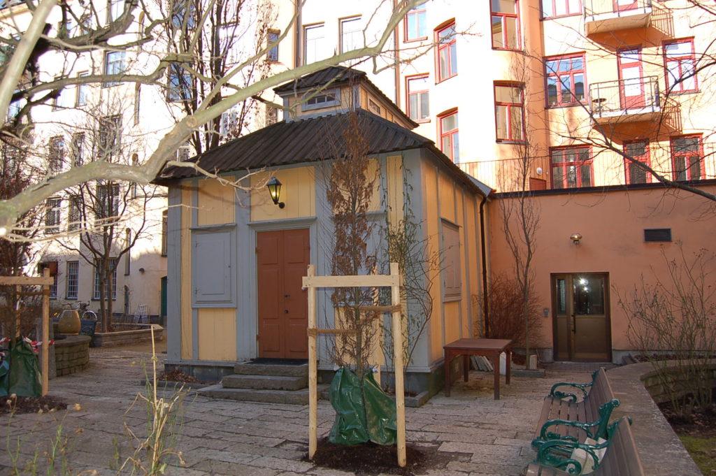 Kopian. En replik av lusthuset uppfördes 1989 i kvarteret Mullvaden på Södermalm, inte långt från där originalet en gång stod.