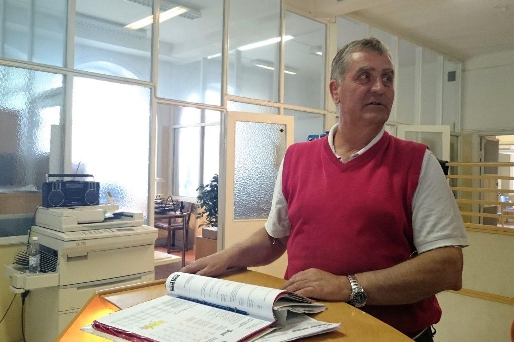 Peter Olsson hyr Liljeholmens godsstation av SJ. Han kom hit första gången i mitten av sextiotalet då han som skolpojke besökte sin pappas transportföretag.